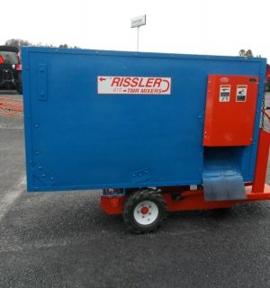 I.H. Rissler 610 Feed Cart