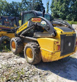 New Holland L228 Skidsteer