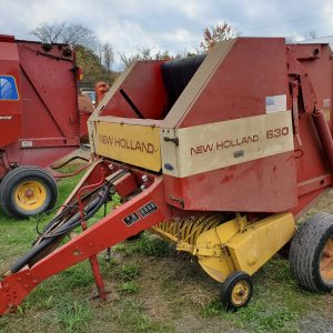 New Holland 630 Round Baler