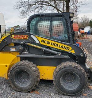 New Holland L220 Skidsteer