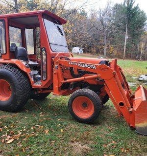 Kubota B7800 Tractor
