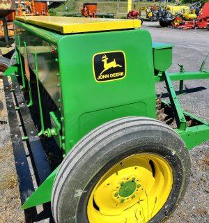 John Deere 8250 Grain Drill